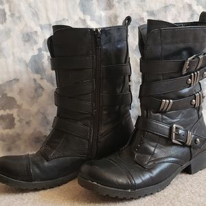 Size 6M Gently Worn Black Guess Boots w Buckles